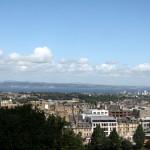Blick auf Edienburgh von der Royal Mile Street 28-07-2012